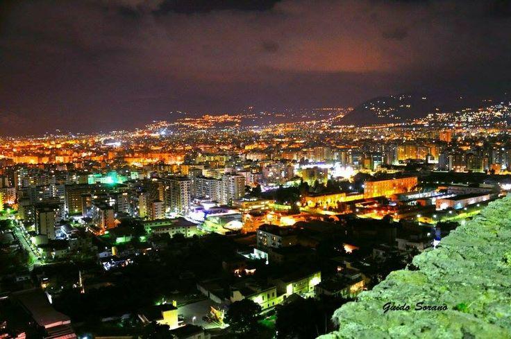 Palermo by night da Monte Pellegrino. Sicilia