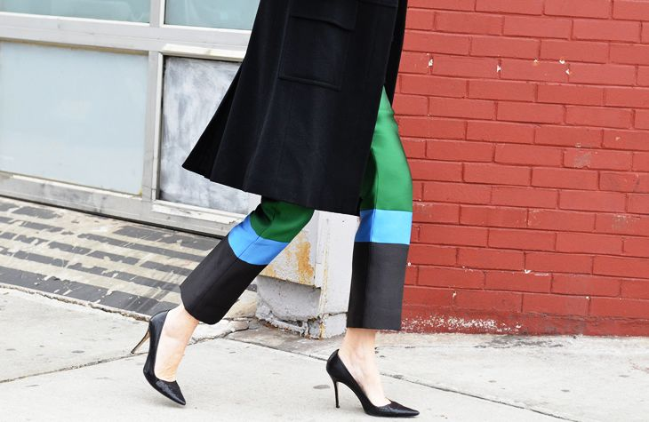 color blocking trouser! SO PUre: Trousers, Dreams, Colors, Pants, Street Style, Pumps, Black Heels, Stripes, Fall Street Fashion