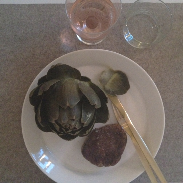 Saturday dinner; artichoke, tenderloin and favourite wine Domaine de Collavery rose.   Plate from Iittala - Teema, knife & fork Zara home, wine glass Iittala - Lempi, small glass from swedish store Granit and grey place mat from Hay.