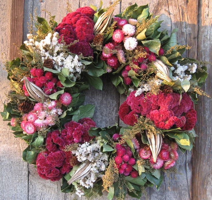 Pink & green wreath: Christmas Wreaths, Pink Christmas, Wreath Ideas, Floral, Crafts