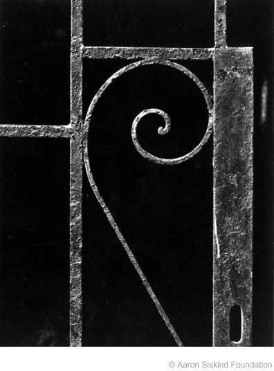 Aaron Siskind - The Transitional Forties