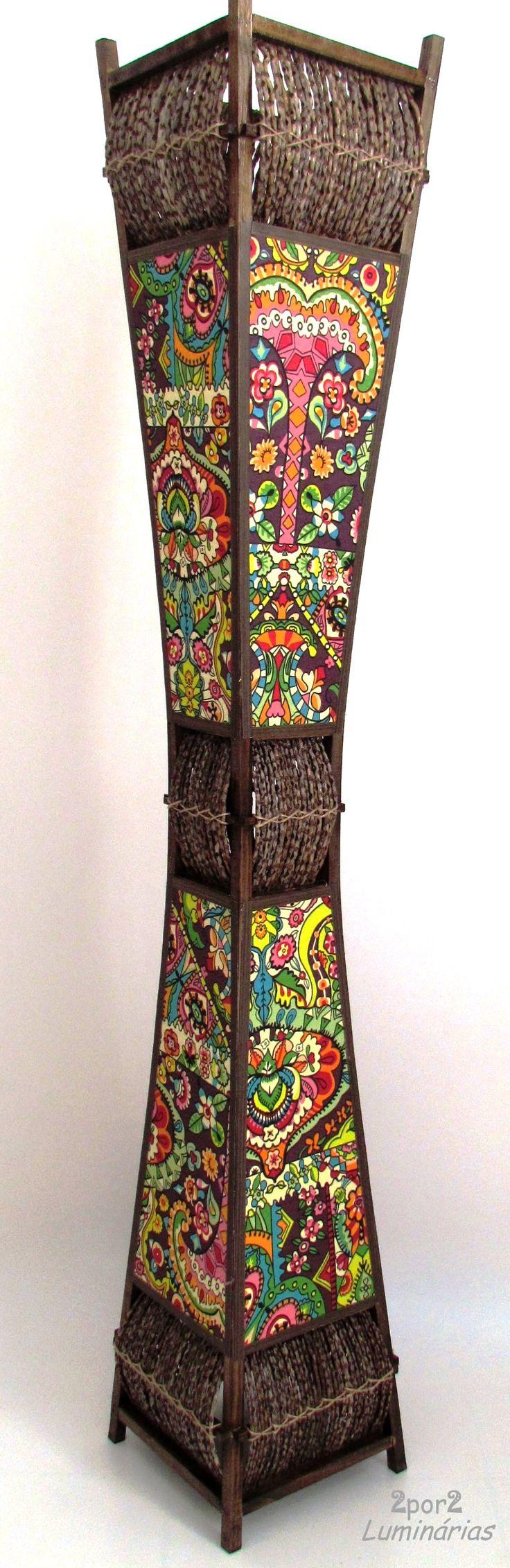 Inspirada nos tecidos indianos, luminária coluna com 1,5mt altura! ;)