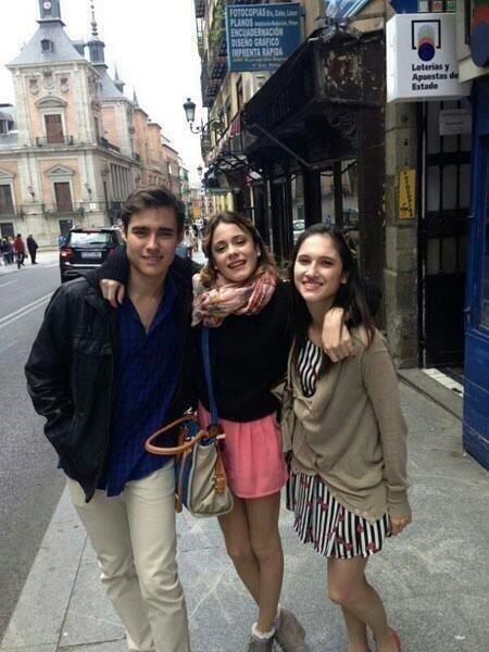 Jorge , Tini, y Lodo!