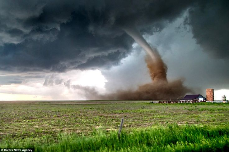 Storm chaser captures astonishing images of 14 tornadoes in one hour