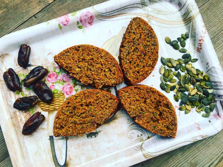 Celozrnný chlebíček s mrkví a semínky