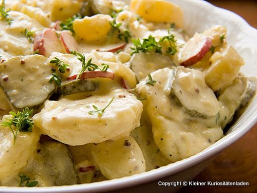 Kartoffelsalat mit Radieschen und Gewürzgurken | Kleiner Kuriositätenladen