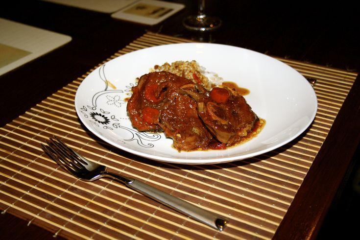 Resep Casserole Daging Kambing. Manis, pedas dan gurih, combinasi yang sangat pas untuk santapan malam keluarga. Resep casserole ini juga cocok untuk menu party karena selain cara bikinnya yang mudah, bisa masak dalam jumlah yang banyak sekalian.