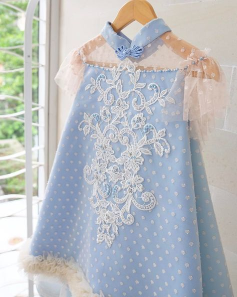 This dress is another new Stella... ---Stella dress by request--- #thankyoufortrusting #honeybeekids #kidsdress #babydress