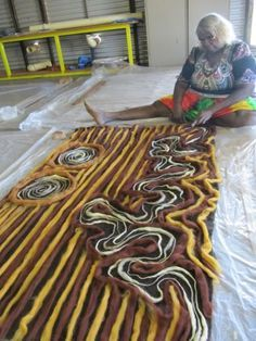 I have to try making a rug one of these days.