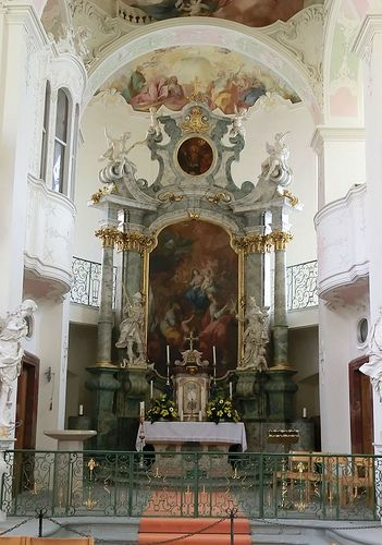 This beautiful chapel was on the island of Minau. A beautiful wisteria covered arbor (or gazebo...can't recall) was nearby.     Altar in der Schlosskirche auf der Mainau