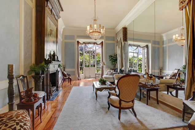 The preservation of historic homes in and around New Orleans is more than holding up a structure -- it's maintaining the rich culture of the city. MLM Incorporated restored this Esplanade mansion to its former glory. By opening up the space with a full-length mirror, we double the beauty and create a dramatic effect. http://www.mlm-inc.com/residential/historic-renovation/