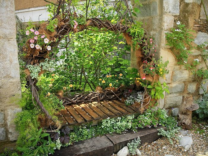 Japanese Gardens: Tranquility and Harmony    - Floral Garden Swing