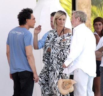 "http://www.fashionassistance.net/2012/09/cameron-diez-javier-bardem-brad-pitt-y.htmlFashion Assistance: Cameron Díez, Javier Bardem, Brad Pitt y Penélope Cruz ruedan en Alicante ""The Counselor"""