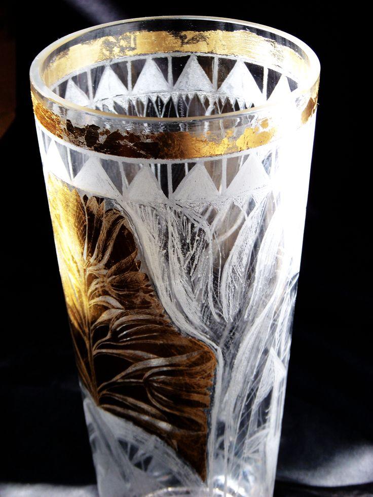 vaza pentru flori.sticla gravata.schlagmetal gravat
