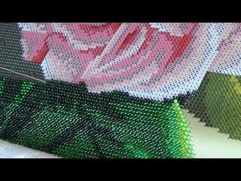 Процесс вышивки бисером на станке + болталка - YouTube