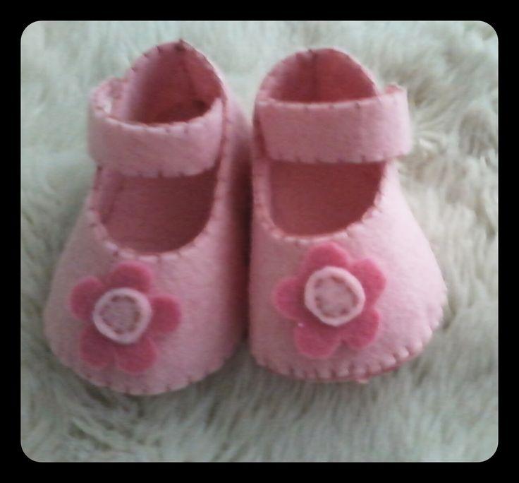 o meu cantinho 75: Sapatinhos em feltro para bebé