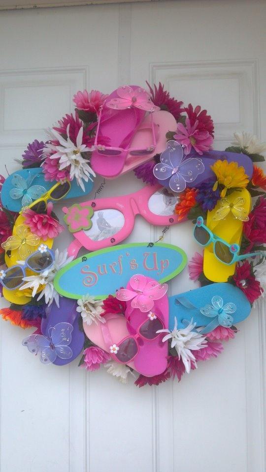 Summer sunglasses and flip flops wreath