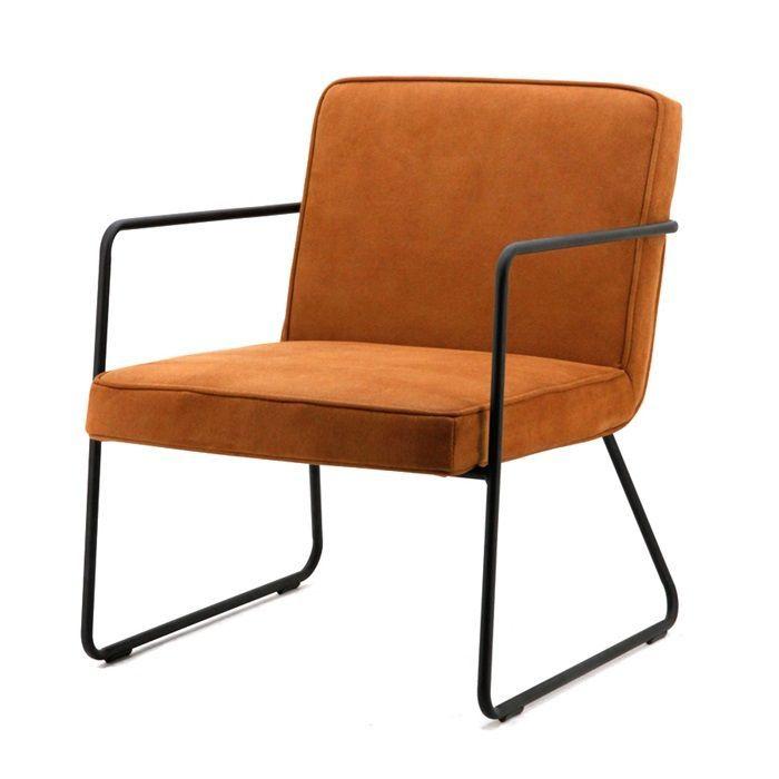 By Boo Armchair Alpha Cognac. Deze stoere fauteuil heeft een metalen frame, met een stoffen bekleding in cognac kleur. Hierdoor krijgt de stoel een stoere industriële look.
