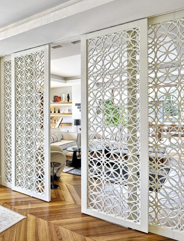 Custom made timber panels in living room by Sevimli Mimarlik