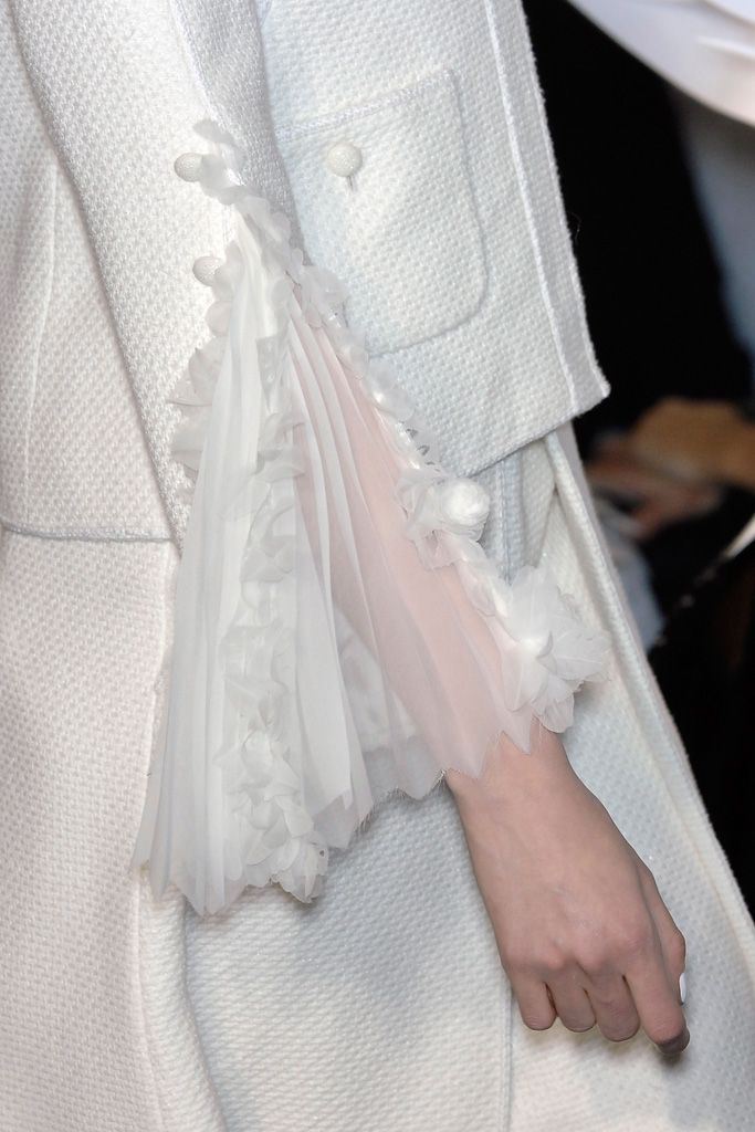 Chanel spring 2009 couture details