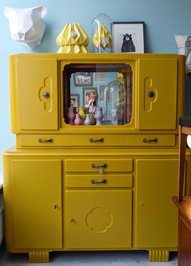 25 beste idee n over gele kasten op pinterest gele keukenkastjes gele keuken verf en hoge - Verf credenza ...