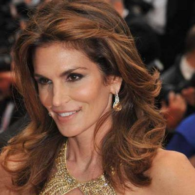 Cindy Crawford's Workout and Diet Plan Explain Why She's So Fabulous at 50