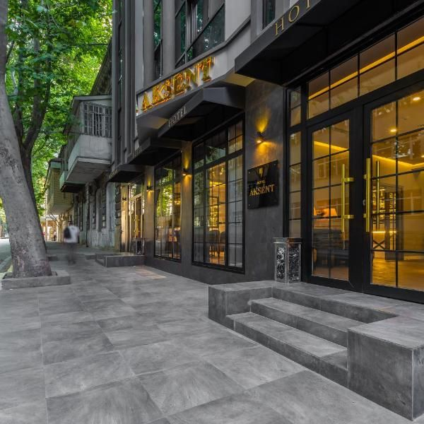Aksent Hotel Boasting A Bar And A Shared Lounge Aksent Hotel Is Set In Baku 1 5 Km From Freedom Square And 5 Km From Flame Tower Hotel Bad Hotel Hotel Building