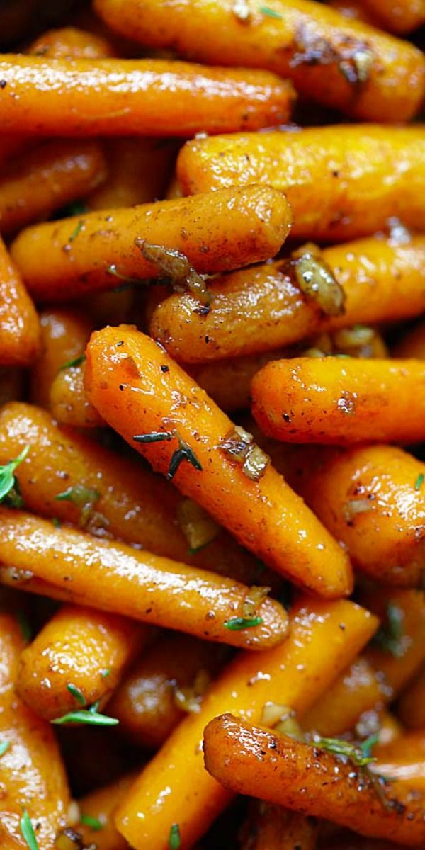 Brown Butter Garlic Honey Roasted Carrots – the best roasted carrots ever with lots of garlic, brown butter and honey. SO good | rasamalaysia.com