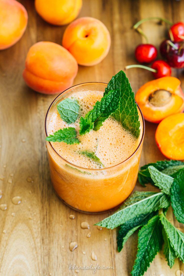 Fruchtig, erfrischend und perfekt für den Sommer! Aprikosen Erdbeer Limes. Ich liebe es wenn es die ersten Aprikosen zu kaufen gibt. Dann bin ich total aufgeregt. Manchen geht es so wenn sie teure Handtaschen oder Schuhe sehen. Ich flippe bei Obst aus, wirklich. Wenn am in die orangen hübschen Früchte reinbeißt und der süß saure...Read More »