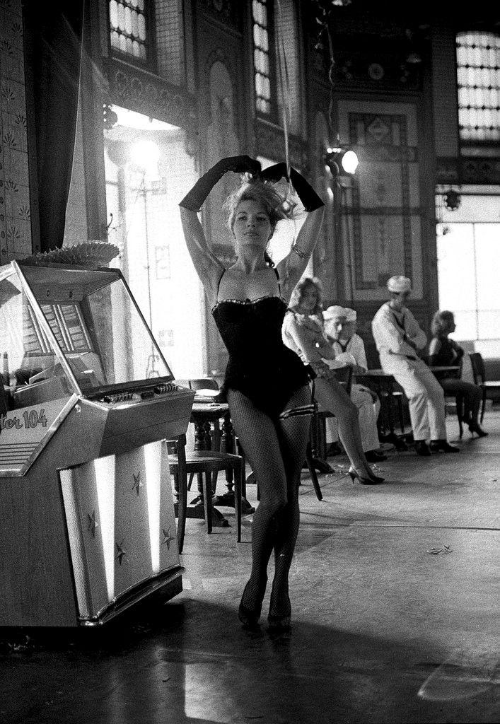 Dorothée Blanck (Lola), 1961 © Raymond Cauchetier
