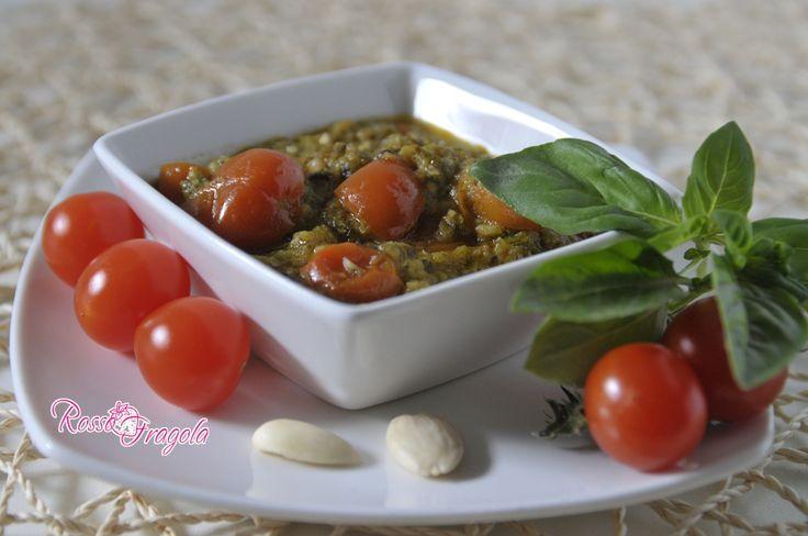 Pesto di zucchine basilico e pomodorini, è ottimo per condire la pasta, per le bruschette, le pizze ecc. pesto di zucchine,conserve,sughi e condimenti,pesto
