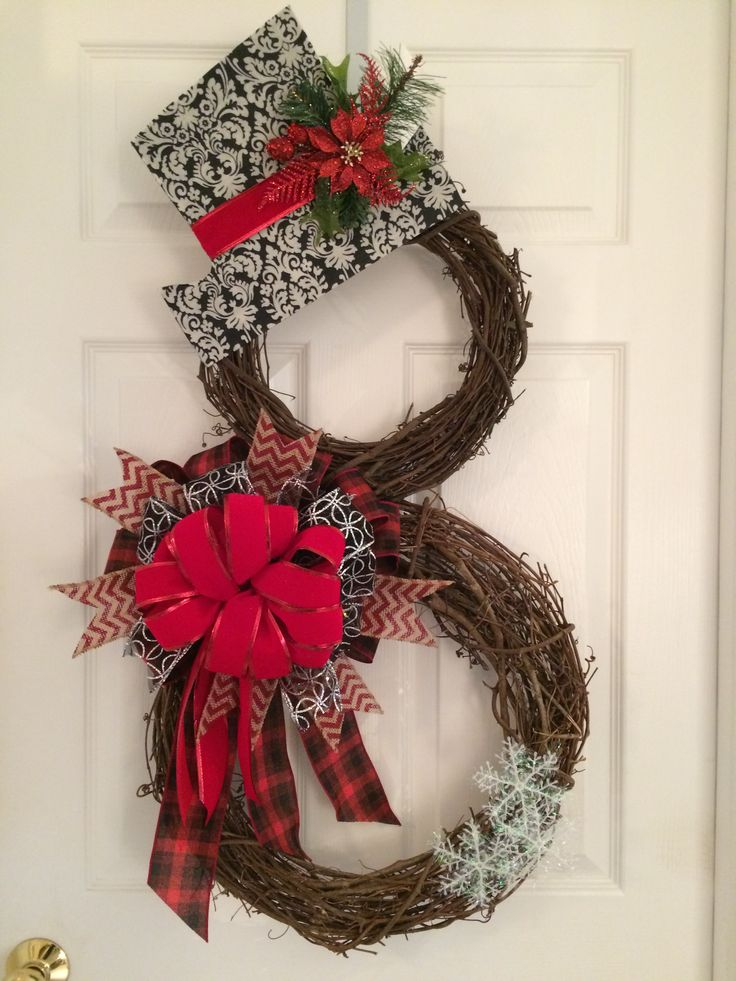 Snowman grapevine wreath.                                                                                                                                                                                 More