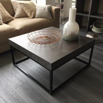 ポルトガル最大の家具メーカー「temahome(R)」が届けるモダンデザイン。ボリュームのあるコンクリート調メラミン化粧合板の天板にスリムなブラックレッグが調和し、スタイリッシュなグッドバランスを魅せます。日本国内ではディノスだけの取り扱い商品です。