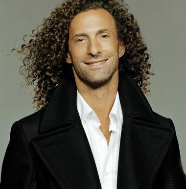 Famous Musicians | Saxophone player Kenny G