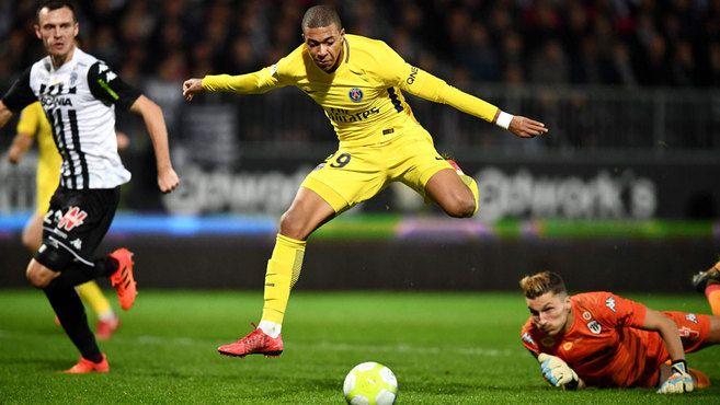 Liga Francesa: Mbappé, el más joven de las últimas 40 temporadas en llegar a los 20 goles en Ligue 1   Marca.com http://www.marca.com/futbol/liga-francesa/2017/11/04/59fe09c546163f34748b4623.html
