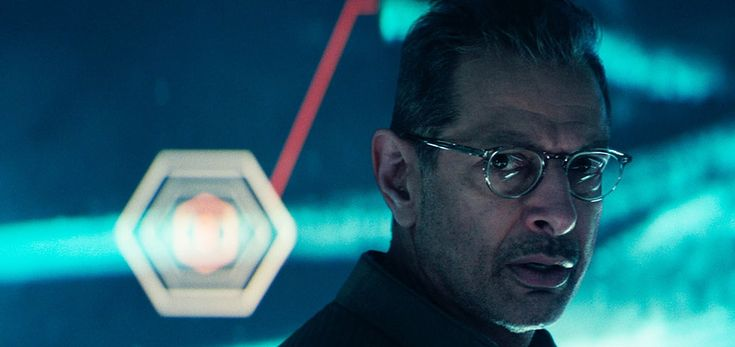See the first trailer for the long-awaited sequel Independence Day: Resurgence, starring Jeff Goldblum, Liam Hemsworth and Bill Pullman.