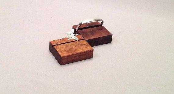 Bracelet affichage [Set of Two]  Cet affichage bracelet est parfait pour montrer un bracelet spécial. Son simple, moderne et montrer le