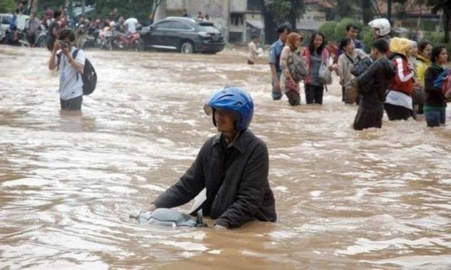 Waspadai 3 Penyakit Menular Yang Mengintai Ketika Banjir