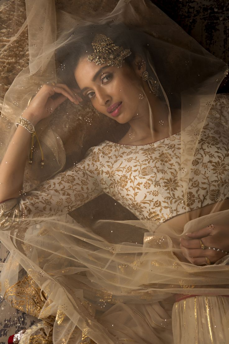 #anjumodi #ethnic #elegant #designer #shopnow #ppus #happyshopping  blouse