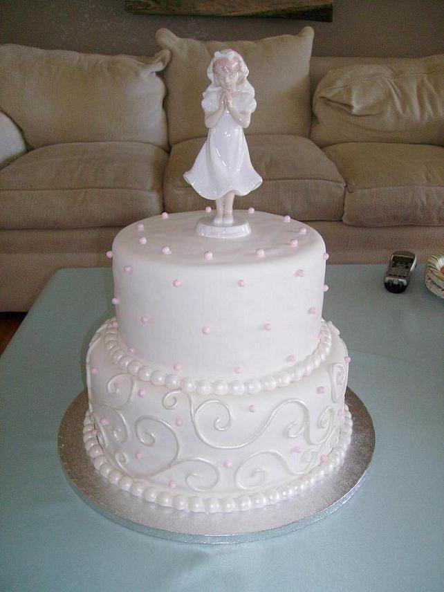 Torta de primera comunion para niñas.