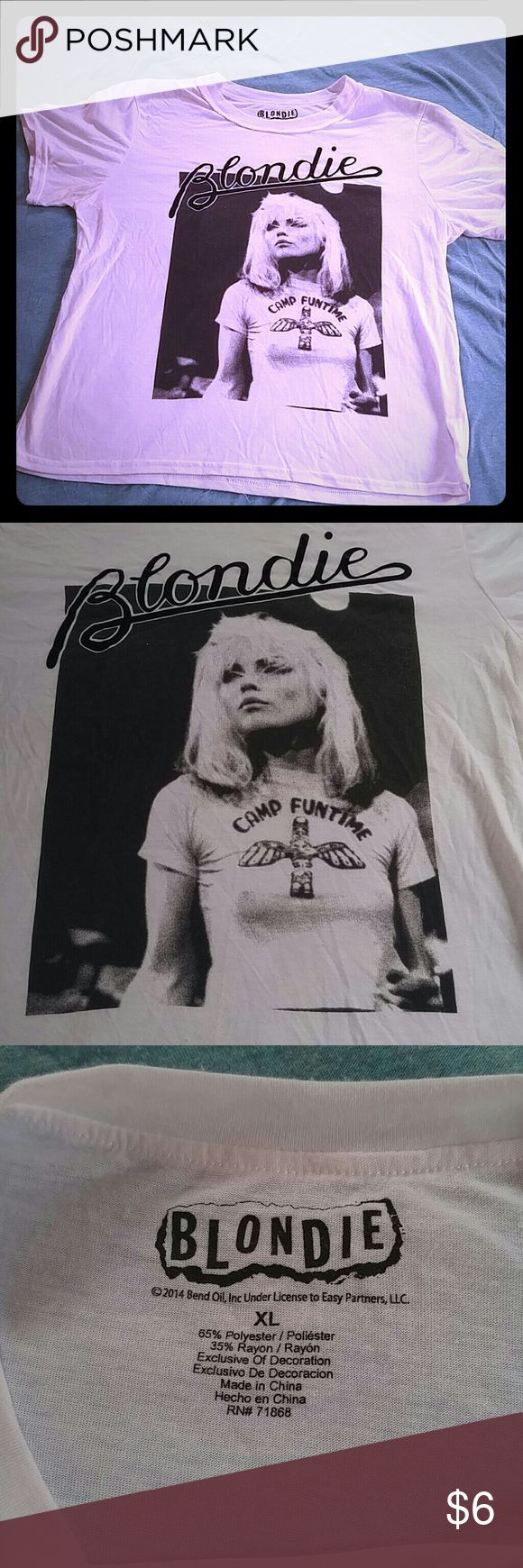 A fun funky Rock t-shirt Extra large white fun T-shirt with the singer Blondie on the front only worn a few times Tops Tees - Short Sleeve
