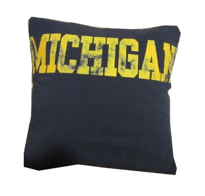 Check out this DIY recycled t-shirt throw pillow. #GoBlue