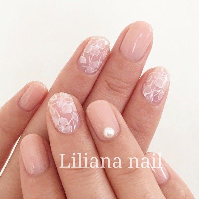 「春だけの楽しみ!でキュートで女の子らしい桜ネイル♡」に含まれるinstagramの画像 MERY [メリー]