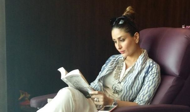 Kareena Kapoor Khan Goes Book Shopping in London , http://bostondesiconnection.com/kareena-kapoor-khan-goes-book-shopping-london/,  #KareenaKapoorKhan #KareenaKapoorKhanGoesBookShoppinginLondon #LONDON #SaifAliKhan