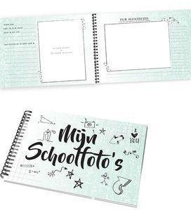Een foto boek speciaal voor de klassenfoto's en pasfoto's. Een CV van je school periode. Dus alle foto's tot en met de middelbare school.