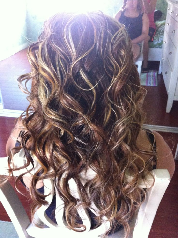 1000 Ideas About Messy Curls On Pinterest Beach Waves