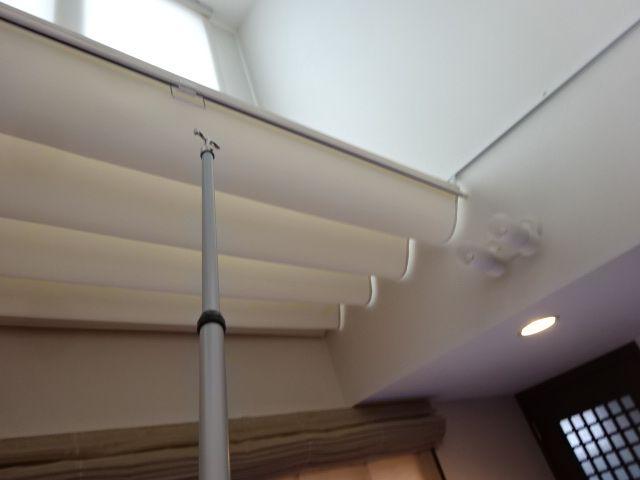 吹き抜けに天幕シェードを取り付けました 天幕 吹き抜け カーテン