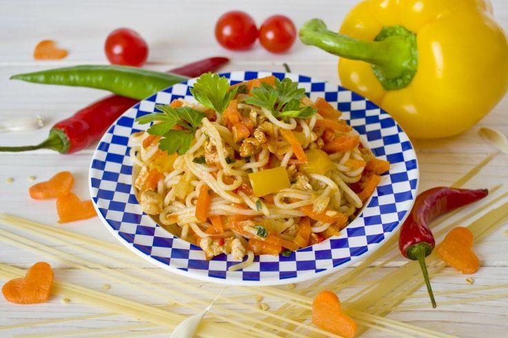 Спагетти с курицей и овощами. Пошаговый рецепт с фото - Ботаничка.ru