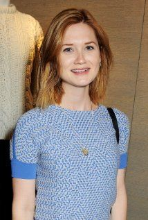 "Bonnie Wright  Born: Bonnie Francesca Wright February 17, 1991 in London, England, UK  5'6"" (1.68m)"