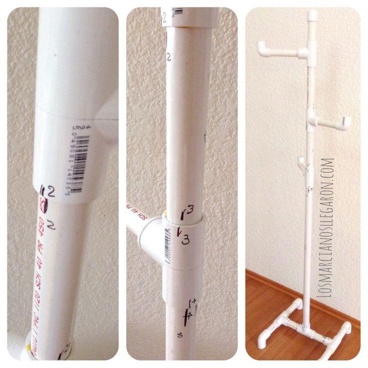 Perchero casero hecho con tubos de PVC